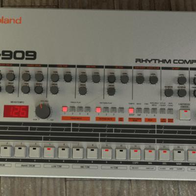 b-tr-909-blender