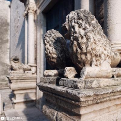 chiesa-di-s-benedetto-portale-laterale-dettaglio